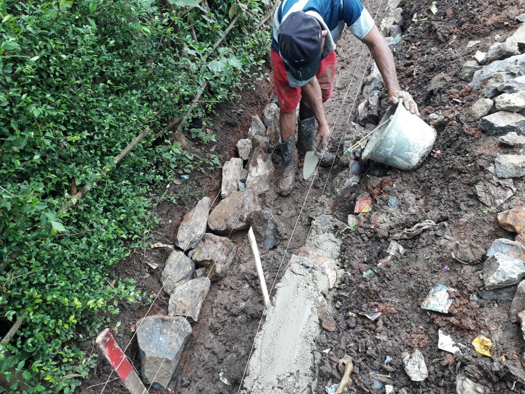 Ormas Jarum Cibadak Tuding Proyek Drainase Desa Asem Asal Jadi