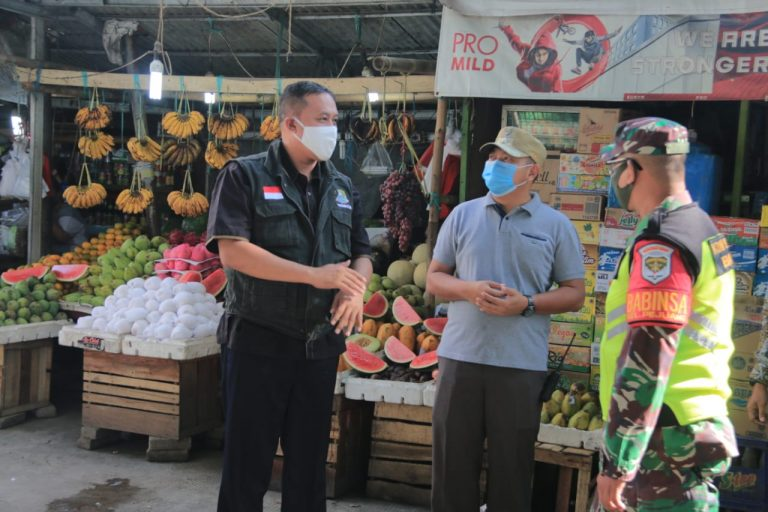 Wakil Wali Kota Tri Adhianto Sidak Penerapan New Normal Di Pasar Familly & Pasar Seroja