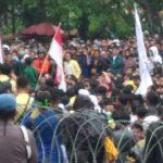Kota Padang Dikepung Masa Aksi UU Omnibus Law. Dimana Gubernur Sumatera Barat?