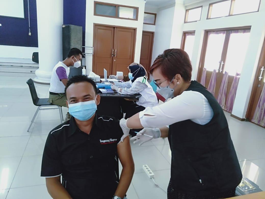 Wartawan Kabupaten Tangerang Disuntik Vaksin Covid-19 ...